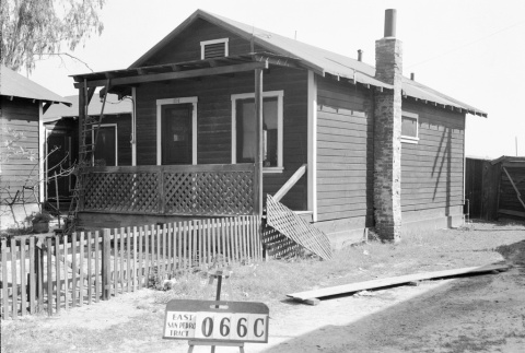 House labeled East San Pedro Tract 066C (ddr-csujad-43-161)