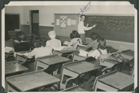 Students in shorthand class (ddr-densho-321-113)