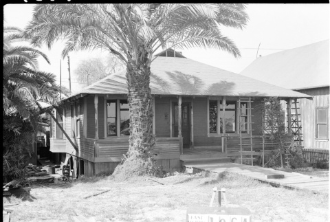 House labeled East San Pedro Tract 196A (ddr-csujad-43-123)