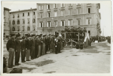 Soldiers in formation (ddr-densho-201-122)