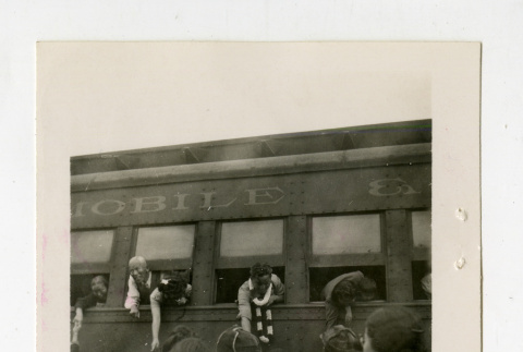 Volunteers leaving from Jerome camp to Tule Lake camp (ddr-csujad-38-298)