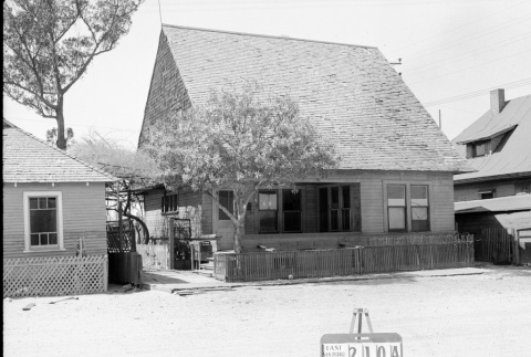 House labeled East San Pedro Tract 210A (ddr-csujad-43-151)