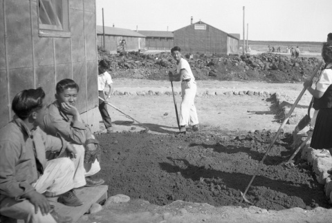 Students working on the school garden (ddr-fom-1-832)
