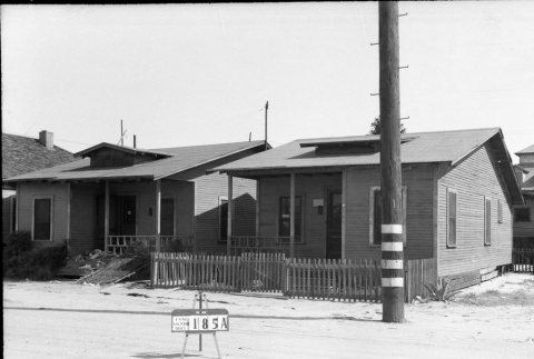 Houses labeled East San Pedro Tract 185A (ddr-csujad-43-109)