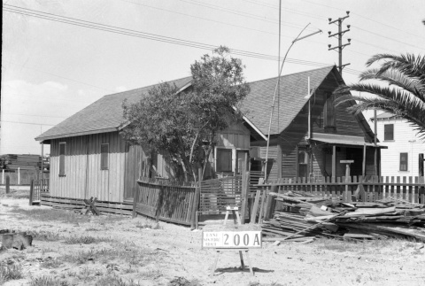 House labeled East San Pedro Tract 200A (ddr-csujad-43-105)