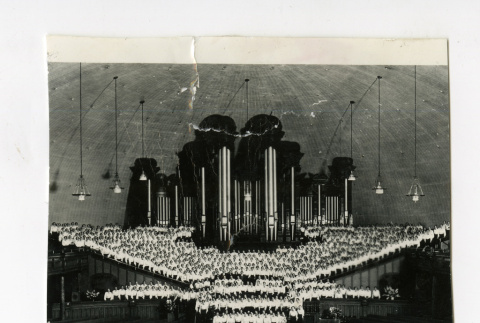 Great organ and singing mothers in Mormon tabernacle (ddr-csujad-38-76)