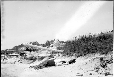 Nap on the Beach (ddr-one-1-610)
