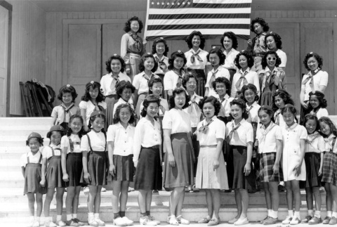 Girl Scout and Brownie troops (ddr-densho-13-41)
