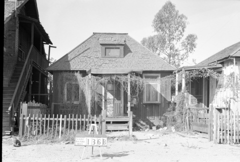 House labeled East San Pedro Tract 136B (ddr-csujad-43-76)