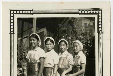 Cannery workers (ddr-densho-391-19)
