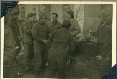 442nd soldiers in chow line (ddr-densho-22-29)
