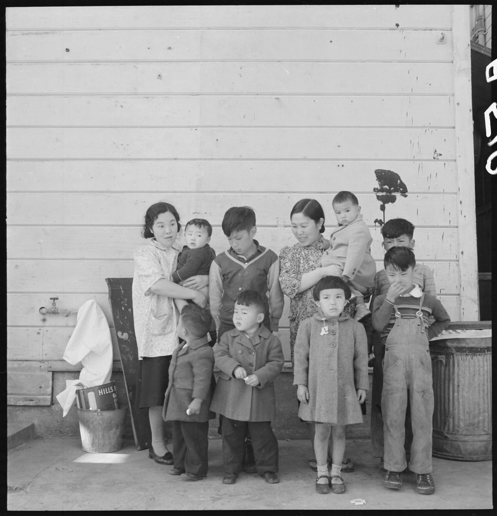 japanese internment camps during wwii essay Hey there, i am a japanese american who has relatives that were in these  internment camps for this reason i chose to do my ee on this topic.